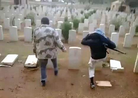 Hancurkan Kuburan