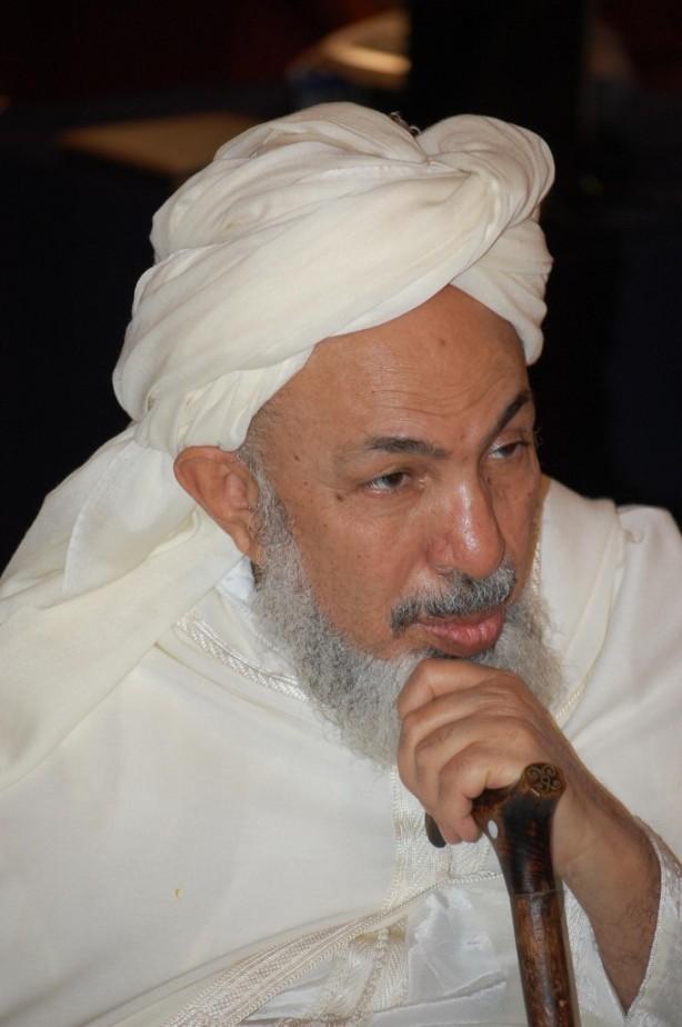 Ulama Ahlus sunnah Sheikh Abdullah Bin Bayyah, salah satu pengajar di Universitas King Abdul Aziz University - Saudi Arabia, beliau bermazhab Maliki