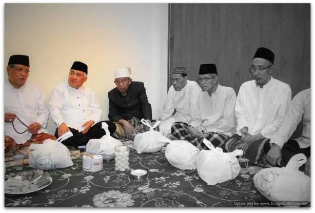 Din Syamsuddin - dalam acara tahlilan