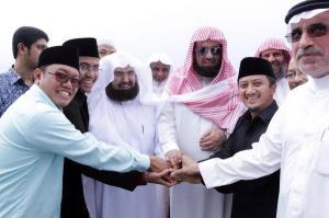 Yusuf Mansyur-syekh Sudais dan pengurus PPA Darul Qur'an