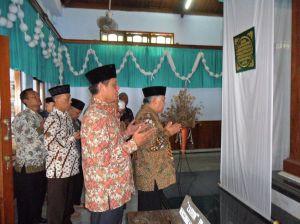 Ketua PP Muhammadiyah Ziarah di Makam KH. Sahal Mahfudz-02