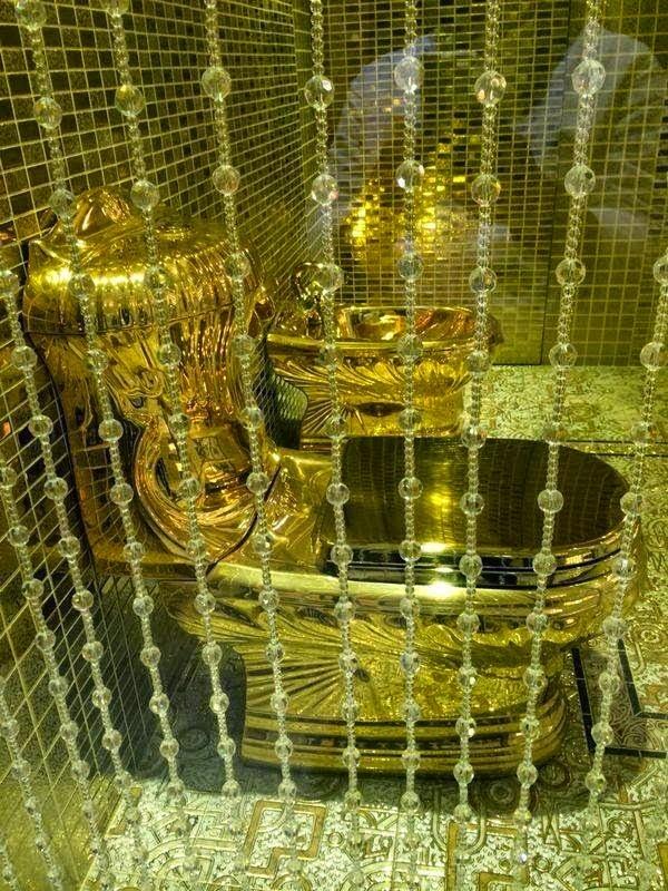 Toilet Emas Hadiah Pernikahan Raja Saudi