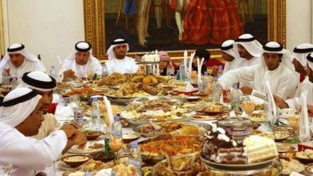 Gaya khas berbuka puasa di salah satu keluarga kerajaan Arab Saudi